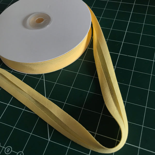 Light yellow cotton single fold bias binding (20mm width) (per metre)
