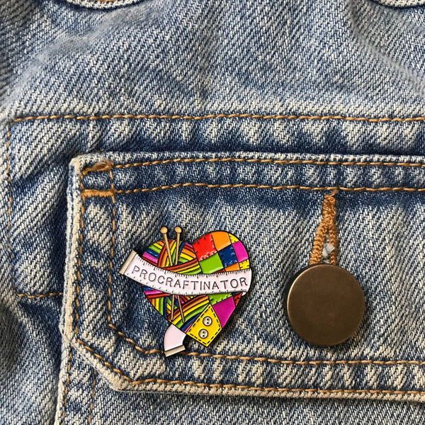 Procraftinator knitting crafting sewing rainbow pin badge