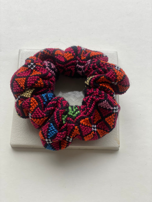 SAFIA COLOR CROSS STITCHED TATREEZ SCRUNCHIE