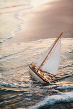 Load image into Gallery viewer, Sailboat
