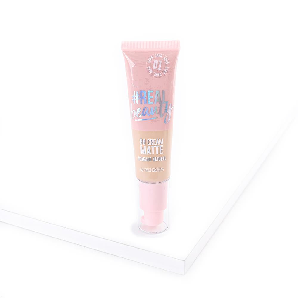 BB cream líquida con acabado natural matte