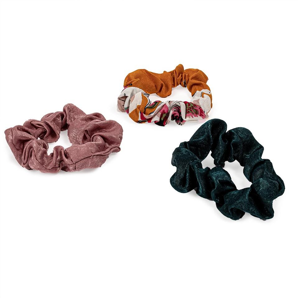 Set de 3 scrunchies de saten: 2 lisas y 1 estampada