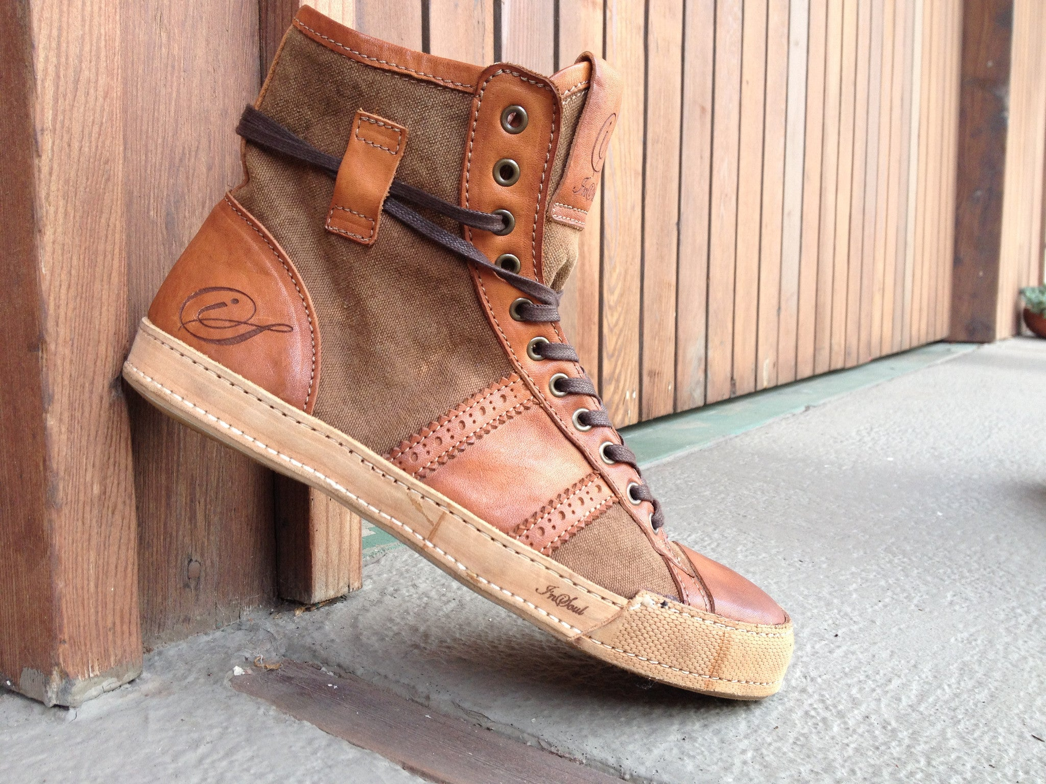 High-Brown-SNEAKER