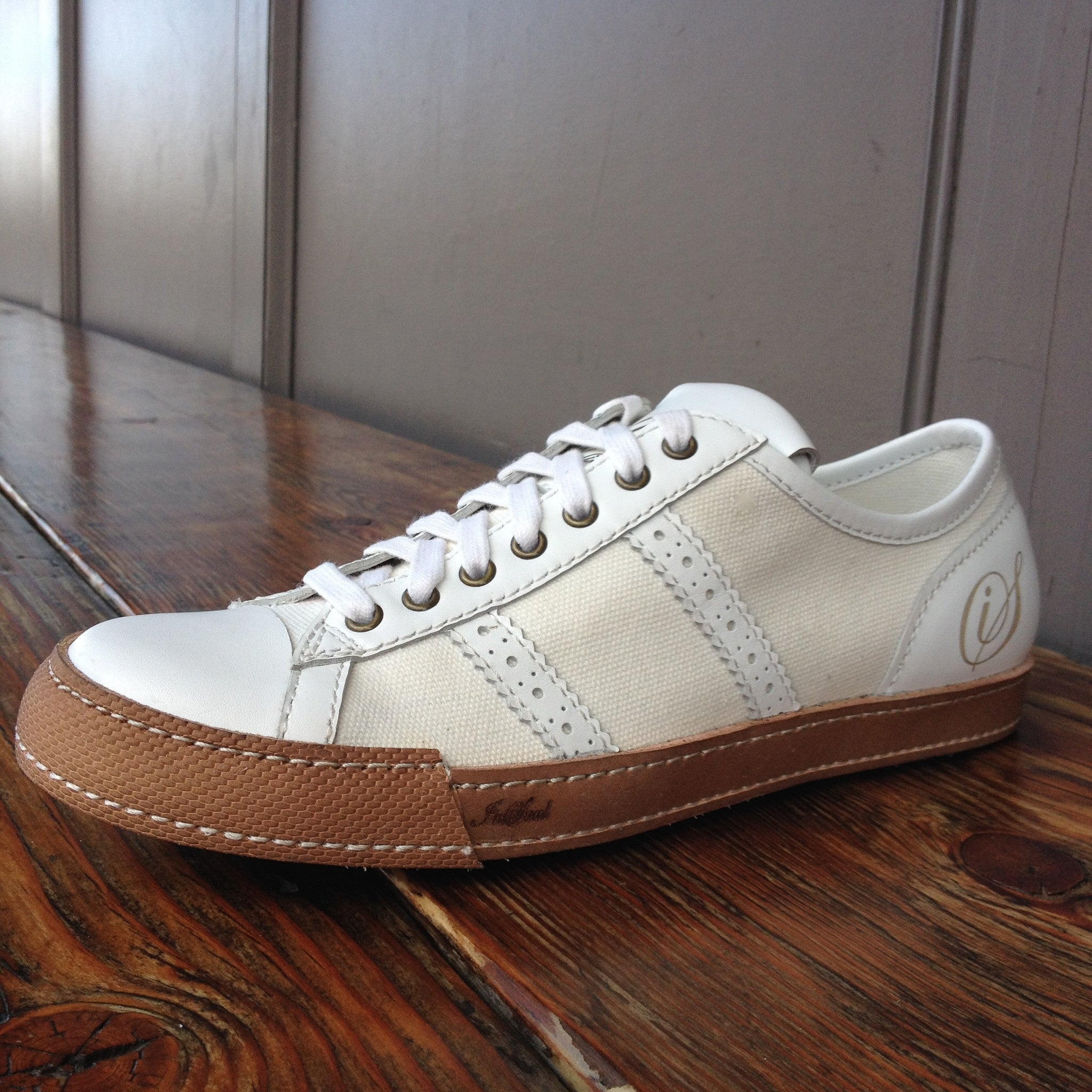 Low-White-SNEAKER