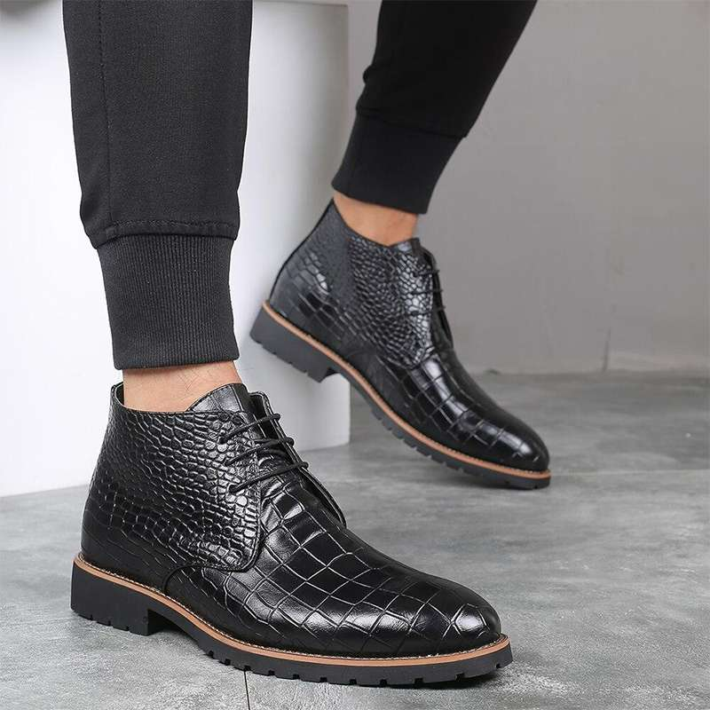 bottines motif croco noires