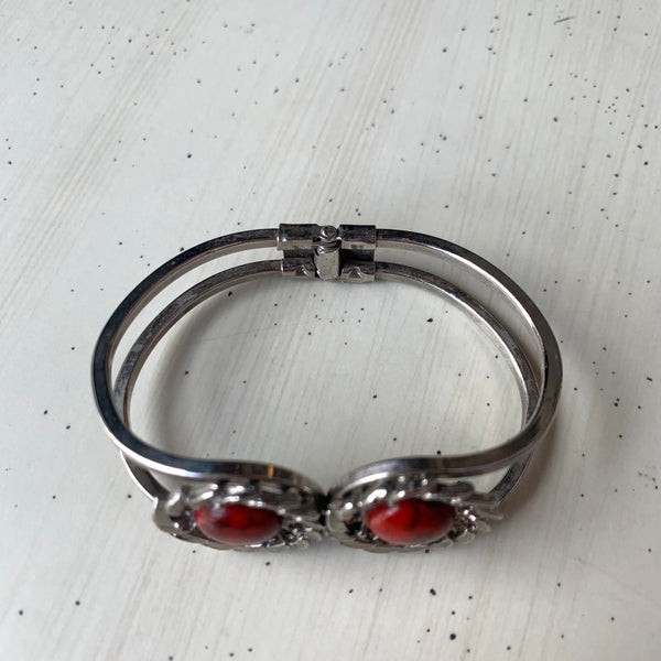 1970s Red Cabochon Clamp Bangle