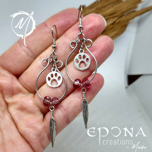 Beaded looped earrings with paw print