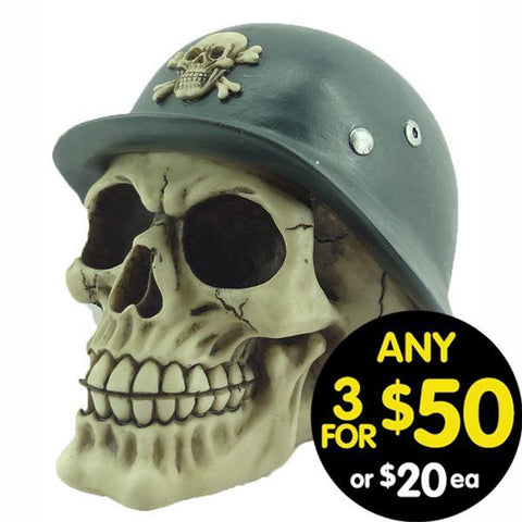 Forsaken Realm Skull With War Helmet