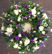 Load image into Gallery viewer, FLORAL WREATH