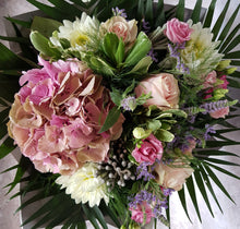 Load image into Gallery viewer, FLORIST CHOICE SEASONAL BOUQUET