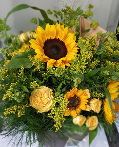 YELLOW SUNFLOWER AND ROSE BOUQUET