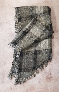 BEVEL EDGE CHECK PATTERN WINTER SCARF