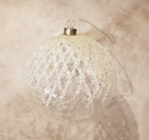 LARGE GLASS BAUBLE WITH LED AND GLITTER DETAIL