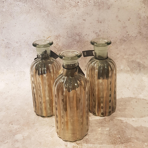 MOTTLED GLASS BOTTLE VASE