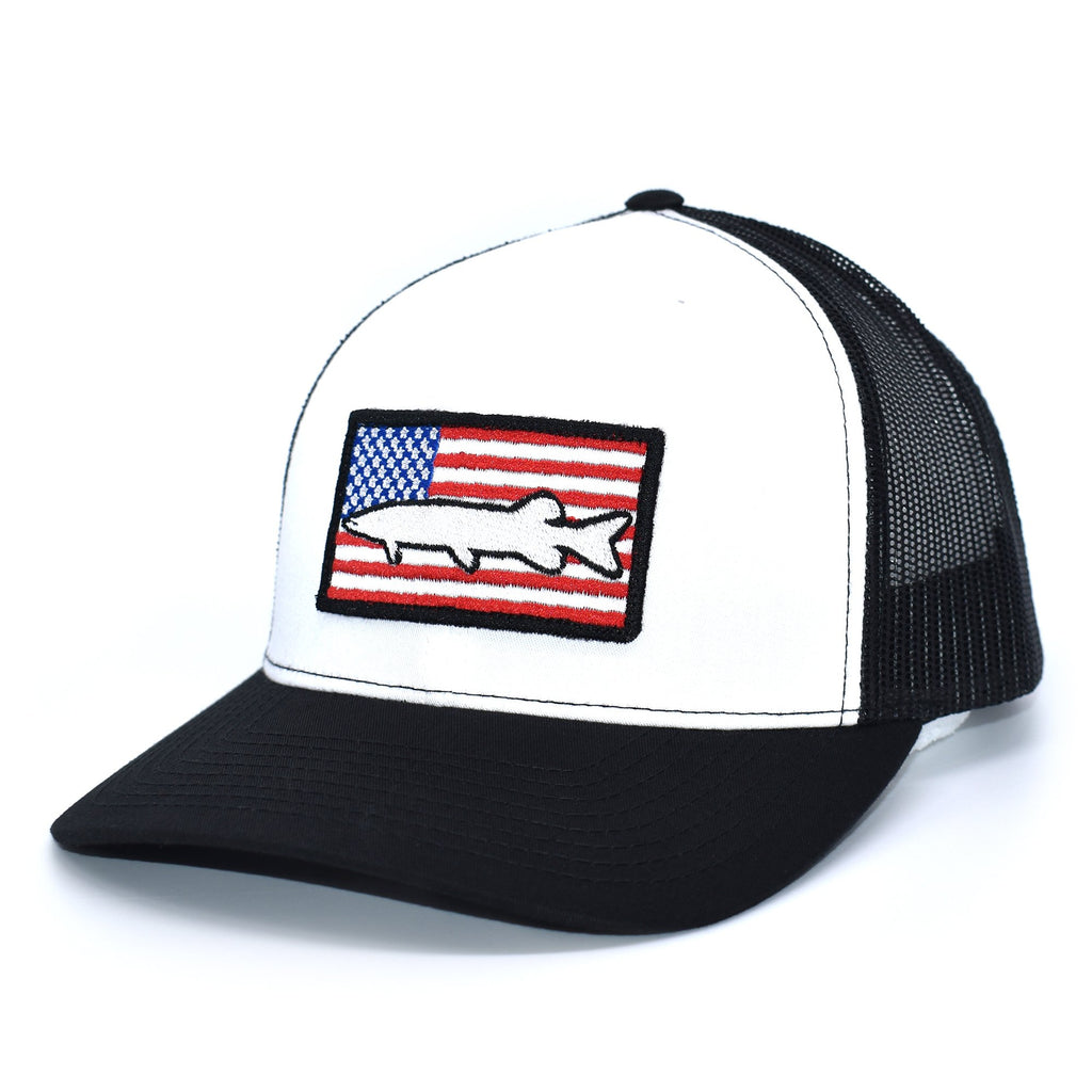 Muskie of America  - White/Black