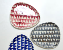 Load image into Gallery viewer, TRIANGLE Porcelain Plate - Pink