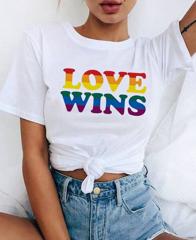 T-shirt LOVE WINS