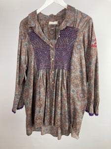 Old molly cotton printed and embroidered blouse size 4 (uk16/18)