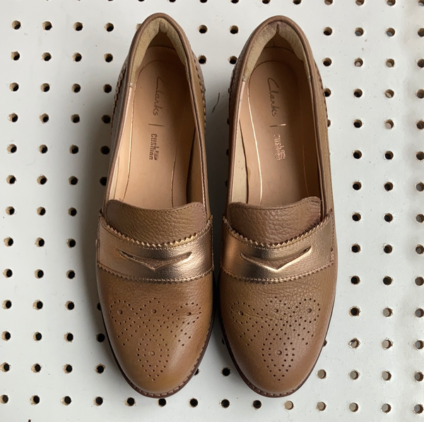 Clarks taupe leather loafers size uk 5.5 D