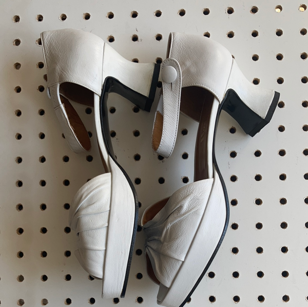 Hobbs white open toe shoes size 39