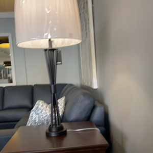 LPT870 Zaya Table Lamp by Renwil