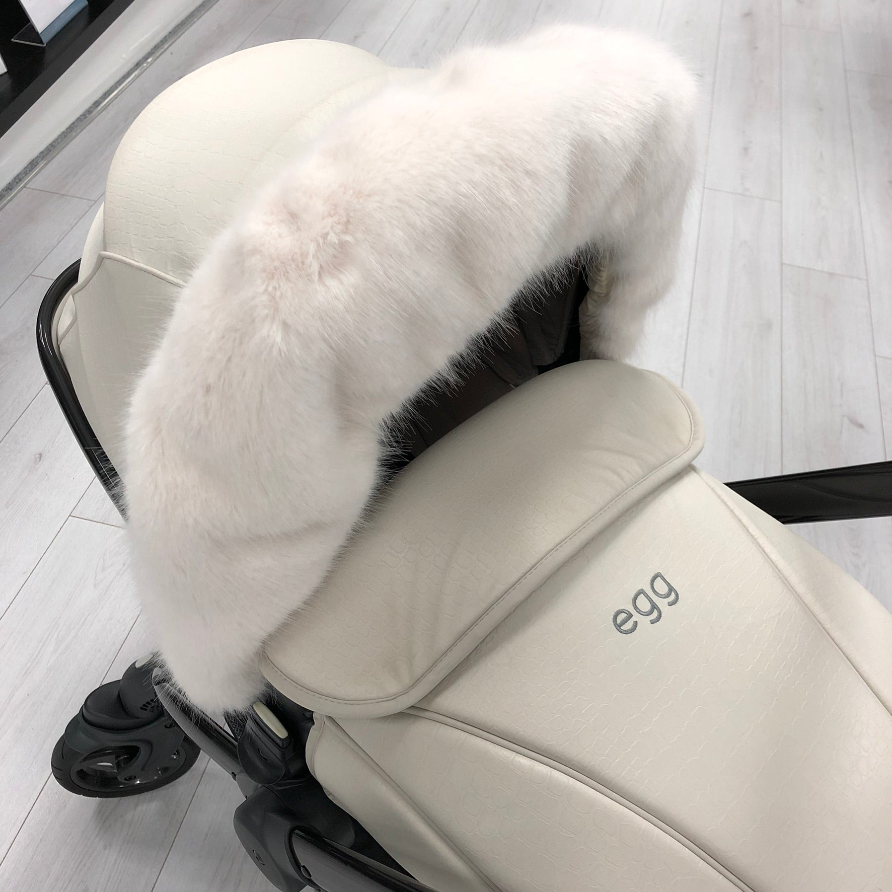 Adorable Tots Universal Hood-Mounted Fur - White