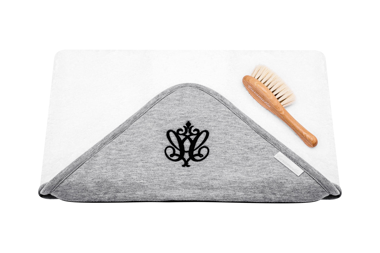 Caramella Manhattan Towel With Baby Hairbrush