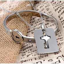 Load image into Gallery viewer, Luxury Shield & Square Heart Lock Bracelet & Key Necklace