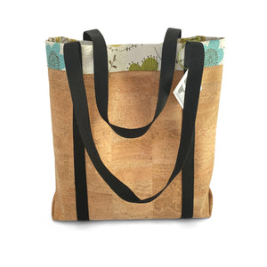 Cork market bag with lining and extra-long straps.