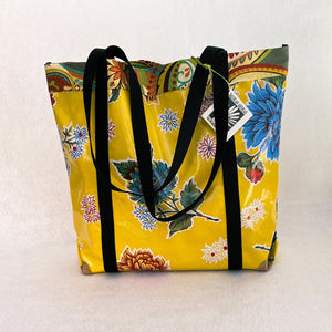 Market bag in yellow oilcloth