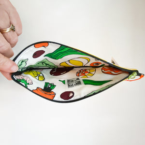 Small oilcloth pouch with color variations