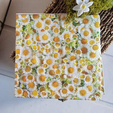 gisela graham daisy napkins - The Alresford Gift Shop
