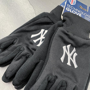 New York Yankees Technology Glove by WinCraft