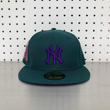 "Load image into Gallery viewer, New York Yankees New Era 59FIFTY Fitted Cap ""Green - 75th World Series"""