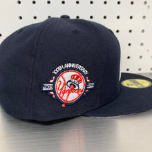 "Load image into Gallery viewer, New York Yankees New Era 59FIFTY Fitted Cap ""Apple- Navy"""