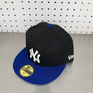 "New York Yankees New Era 59FIFTY Fitted Cap ""Black x Blue"""