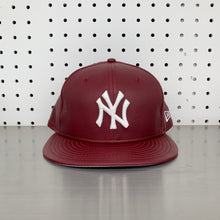 "Load image into Gallery viewer, New York Yankees New Era 59FIFTY Fitted Cap ""Burgundy Leather"""