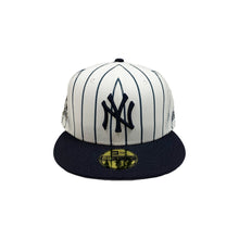 "Load image into Gallery viewer, New York Yankees New Era 59FIFTY Fitted Cap ""Striped"""