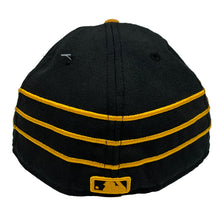 "Load image into Gallery viewer, New York Yankees New Era 59FIFTY Fitted Cap ""Black x Yellow"""