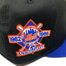 "Load image into Gallery viewer, New York Mets New Era 9FIFTY Snapback ""Apple/25th Anniversary"""