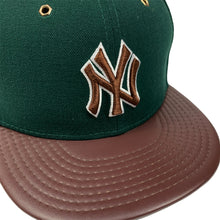"Load image into Gallery viewer, New York Yankees New Era 59FIFTY Leather Fitted Cap ""Beef & Broccoli"""