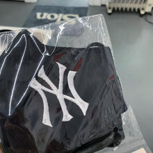 Load image into Gallery viewer, New York Yankees Bootleg Face Mask