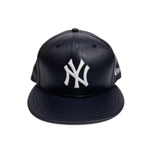 "Load image into Gallery viewer, New York Yankees 59FIFTY Fitted Cap ""Dark Navy Leather"""