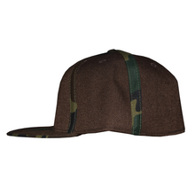 Load image into Gallery viewer, Fitted Cap with Striped Camouflage