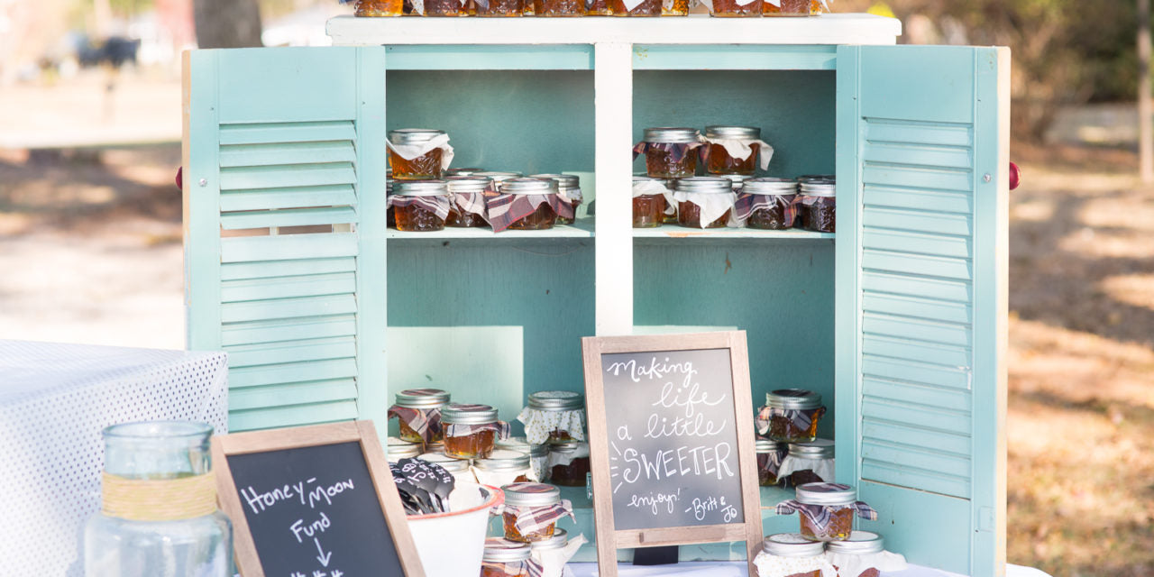 DIY Wedding Favors Any Bride Can Do