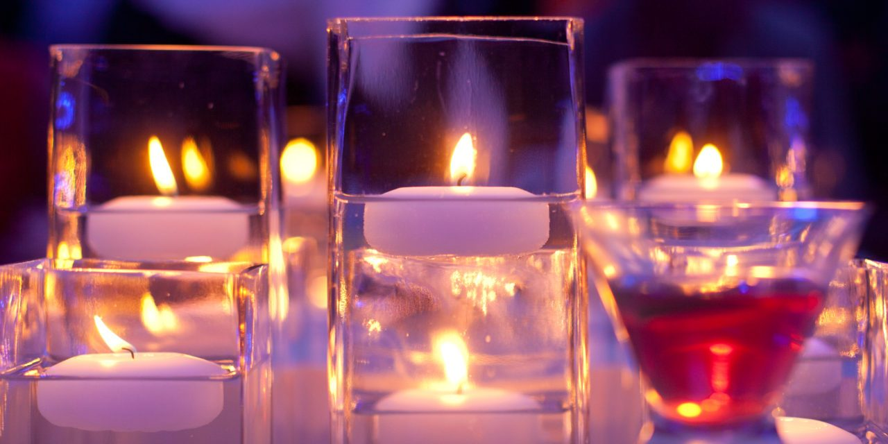 Floating Candles Are Great Table Centerpieces