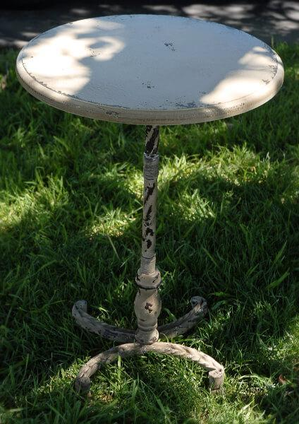 "Rustic Pedestal  26"" Cocktail Table"