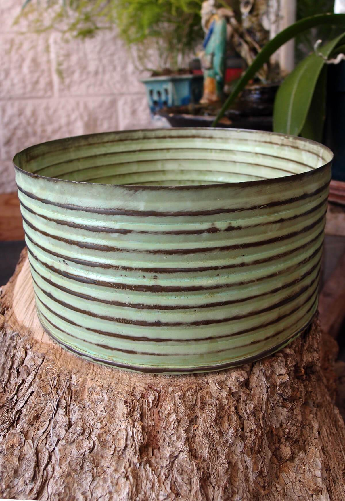 "Lime Green Zinc Canister Bowl 7.5"" x 4"""