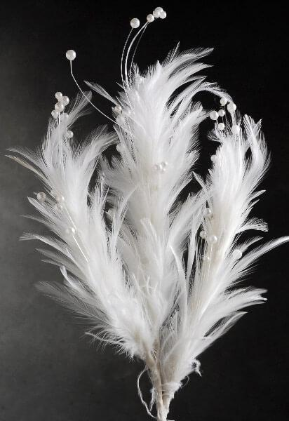 feather with pearls stem white 22in