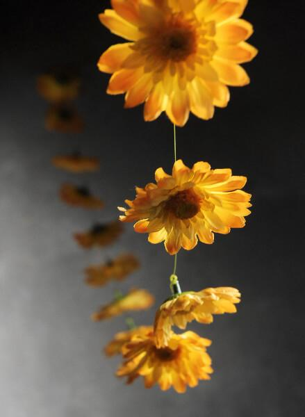 Yellow Gerbera Daisy Garland with 18 Flowers